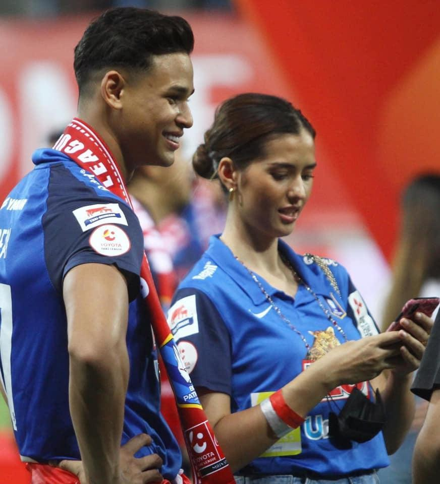 Nhan sắc hoa hậu hẹn hò trung vệ đội tuyển Singapore Ảnh 2
