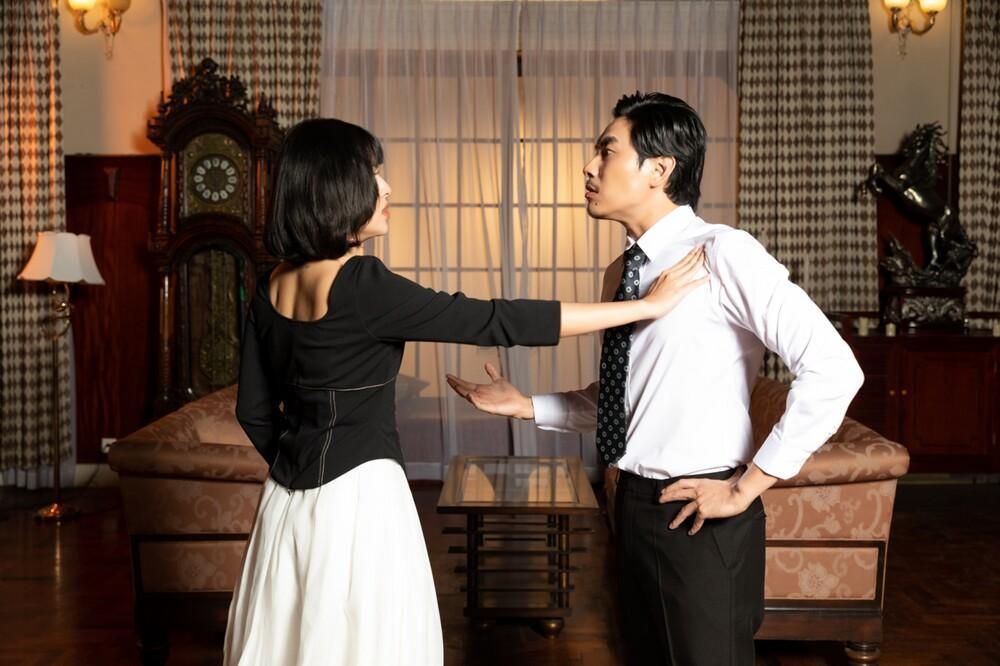 Tú Hảo bị Kiều Minh Tuấn tát 'sấp mặt' trong MV mới của Only C Ảnh 1