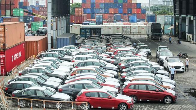 Ô tô nhập tăng đột biến, giá hơn 460 triệu đồng/chiếc Ảnh 1
