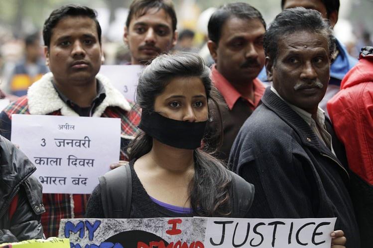 Bị cưỡng hiếp tập thể, nữ sinh lớp 10 ở Ấn Độ tự tử Ảnh 1