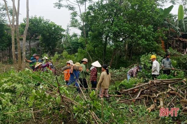 Ngày cuối tuần, Lộc Hà đồng loạt ra quân xây dựng nông thôn mới Ảnh 3