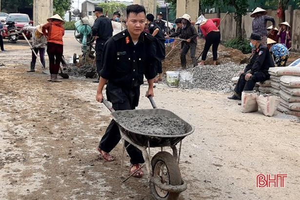 Ngày cuối tuần, Lộc Hà đồng loạt ra quân xây dựng nông thôn mới Ảnh 1