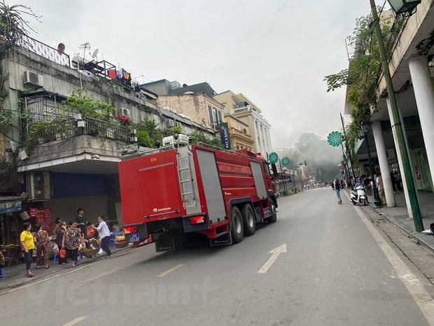 Hà Nội: Kịp thời dập tắt đám cháy tầng hầm Tràng Tiền Plaza Ảnh 5