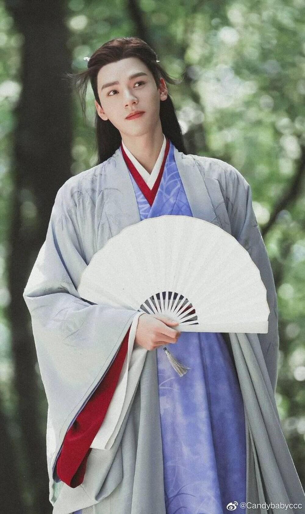 Vương Nhất Bác phủ nhận tái hợp Triệu Lệ Dĩnh trong phim mới, netizen réo gọi Cung Tuấn vào thay thế Ảnh 4