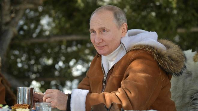 Tổng thống Putin được bầu chọn là 'người đẹp trai nhất nước Nga' Ảnh 1