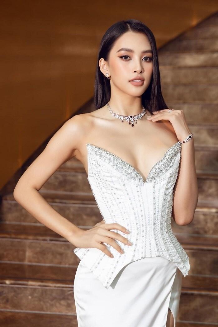 Hết nhiệm kỳ hoa hậu, Tiểu Vy ngày càng táo bạo, 'bốc lửa' Ảnh 5