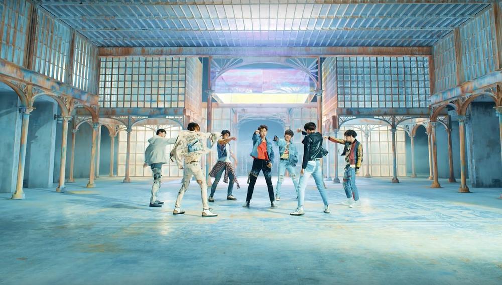 'Đội quân 900 triệu view' của BTS tiếp tục chiêu mộ MV mới Ảnh 4