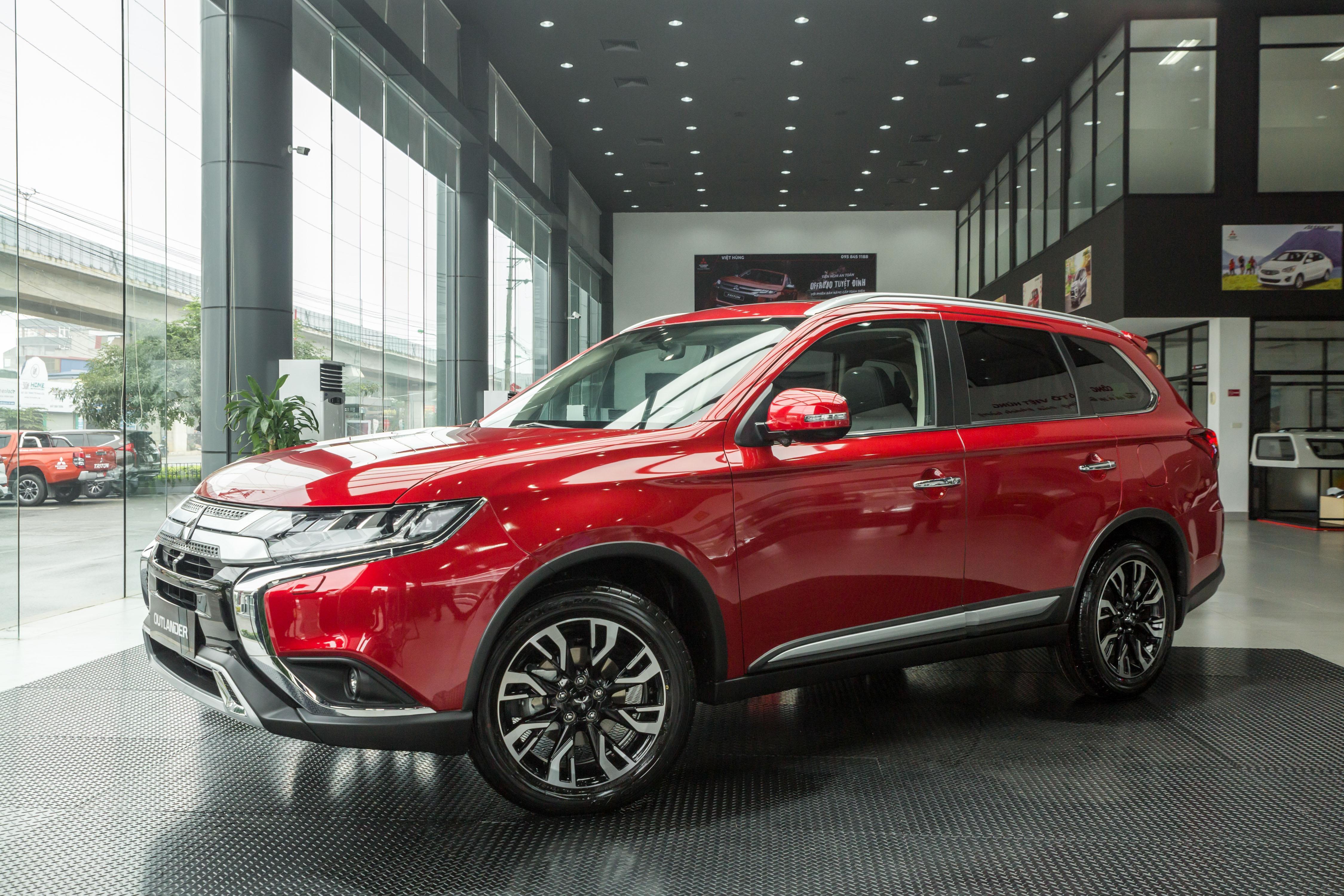 Đại lý giảm giá, tặng phụ kiện hơn trăm triệu đồng cho Honda CR-V Ảnh 2