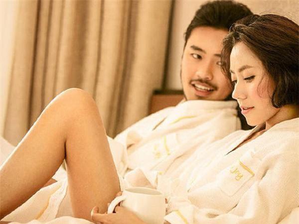 Đàn ông thích ngắm gì ở phụ nữ nhất khi 'trên giường'? Ảnh 3