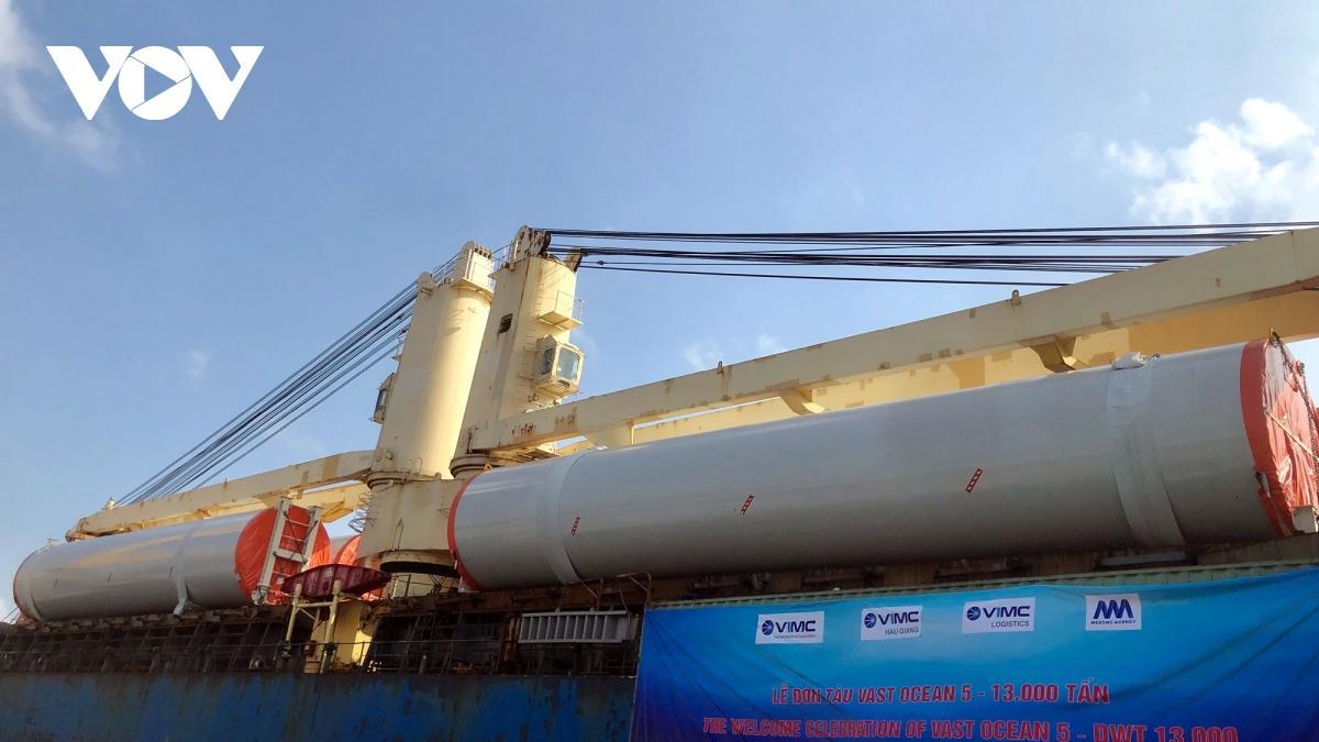 Cảng Hậu Giang đón tàu nước ngoài có trọng tải 13.000 tấn Ảnh 2