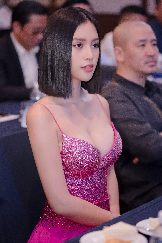 Hoa hậu Tiểu Vy phản hồi về việc mặc gợi cảm quá mức Ảnh 1
