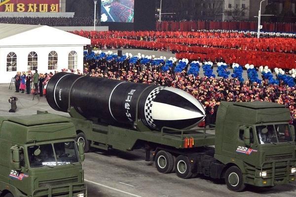 Thực hư Triều Tiên chuẩn bị phóng tên lửa đạn đạo từ tàu ngầm mới đóng? Ảnh 1