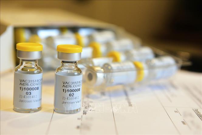 Johnson& Johnson bắt đầu bàn giao vaccine ngừa COVID-19 cho EU Ảnh 1