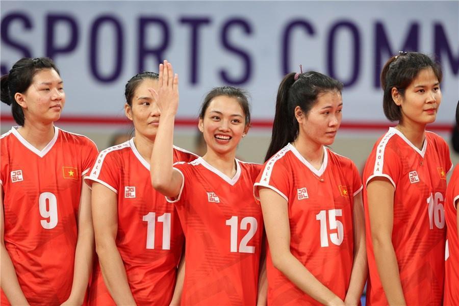 Chuyền hai Thu Hoài được báo Trung Quốc khen xinh đẹp Ảnh 4