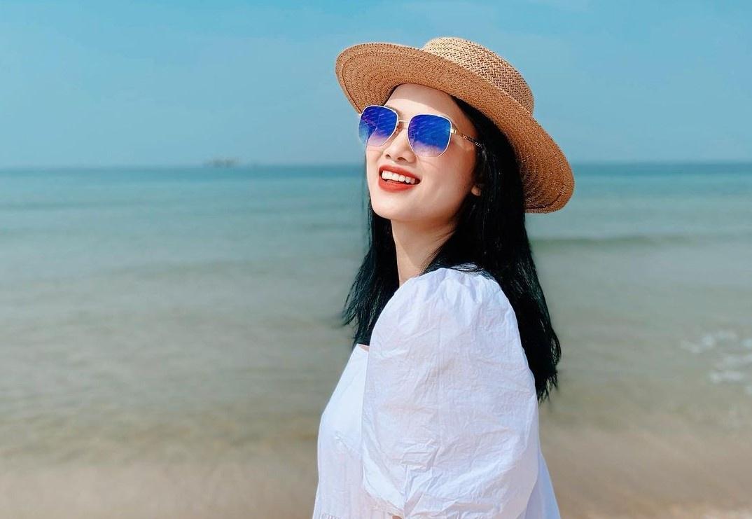 Chuyền hai Thu Hoài được báo Trung Quốc khen xinh đẹp Ảnh 1