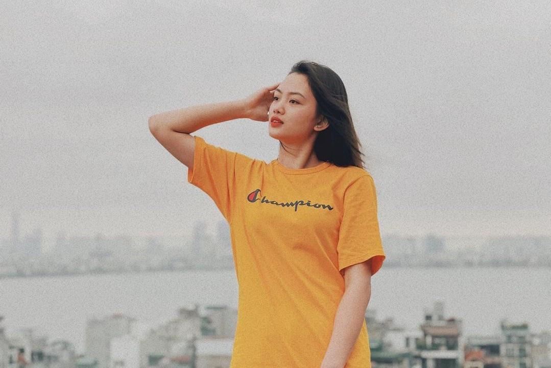 Chuyền hai Thu Hoài được báo Trung Quốc khen xinh đẹp Ảnh 2