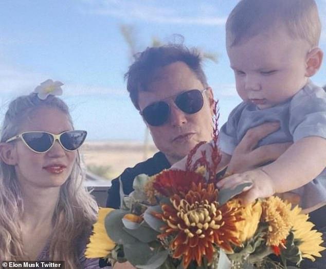 Bạn gái tỷ phú giàu nhất thế giới Elon Musk khoe hình xăm kín lưng Ảnh 6