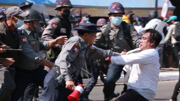 Số người Myanmar thiệt mạng do trấn áp biểu tình tiếp tục tăng Ảnh 1