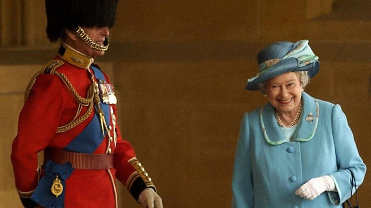 Cựu quản gia tiết lộ biệt danh Hoàng thân Philip dành cho Nữ hoàng Ảnh 1