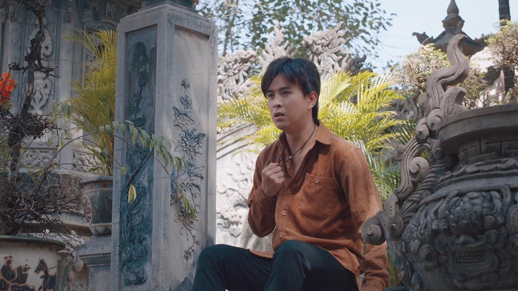 Trở lại với 'Người khóc cùng anh', Hồ Quang Hiếu khuấy động Top Trending YouTube Ảnh 1