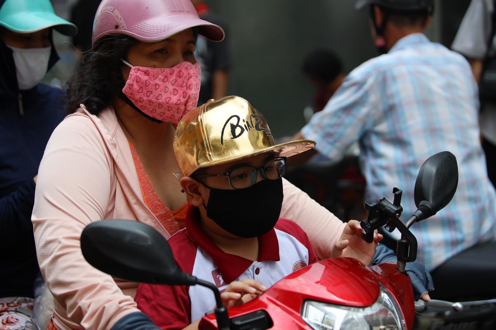 Giới trẻ mặc gì tại vòng casting Rap Việt? Ảnh 16