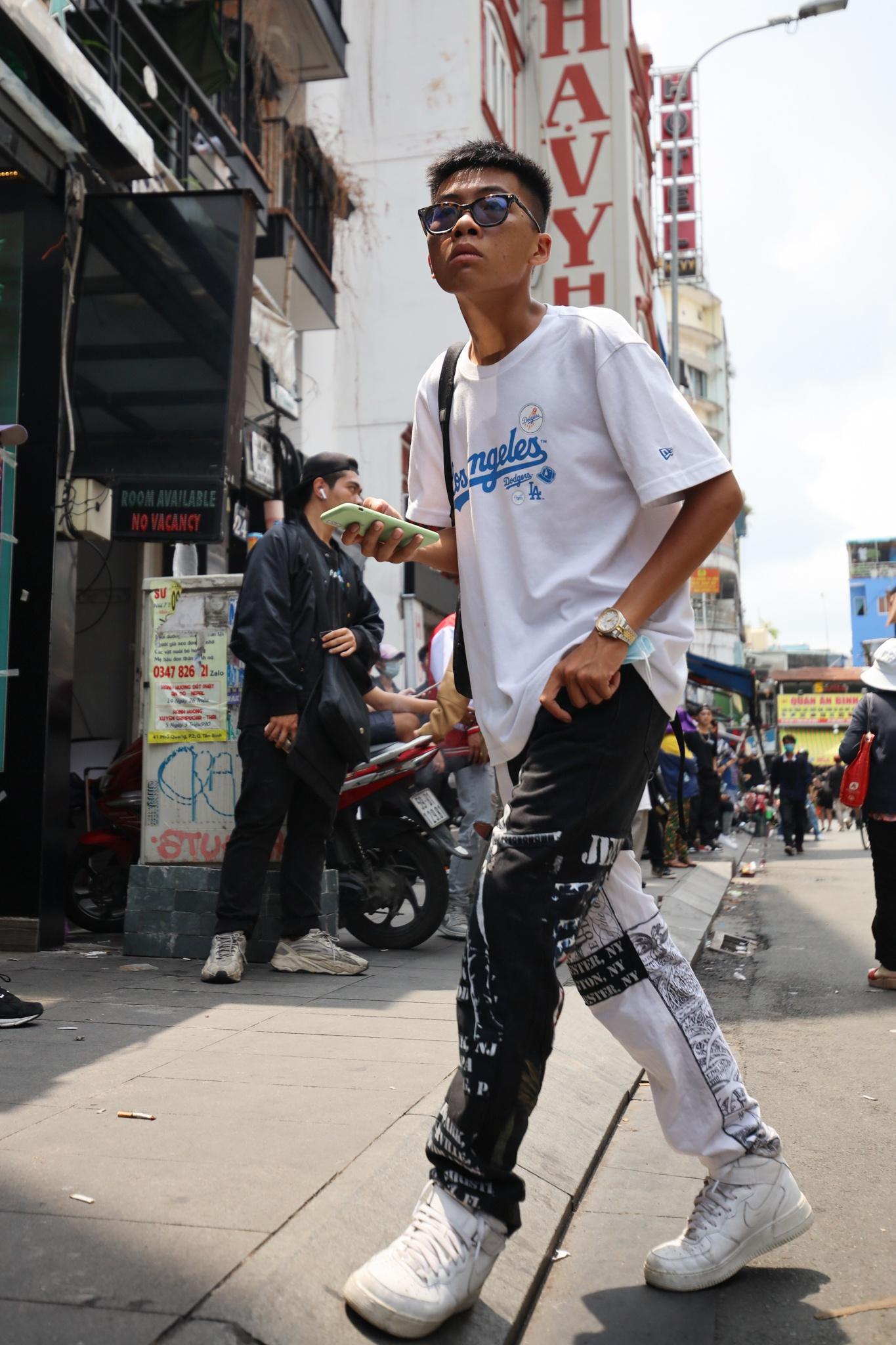 Giới trẻ mặc gì tại vòng casting Rap Việt? Ảnh 14