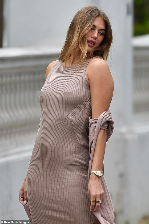 Arabella Chi 'thả rông' vòng một chụp ảnh thời trang Ảnh 2