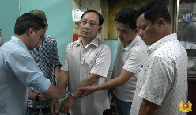 Bắt giam giám đốc bệnh viện thuê giết người vì ghen tuông Ảnh 1