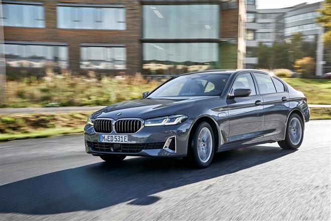 BMW 5 Series phiên bản mới sắp được ra mắt tại Việt Nam Ảnh 1