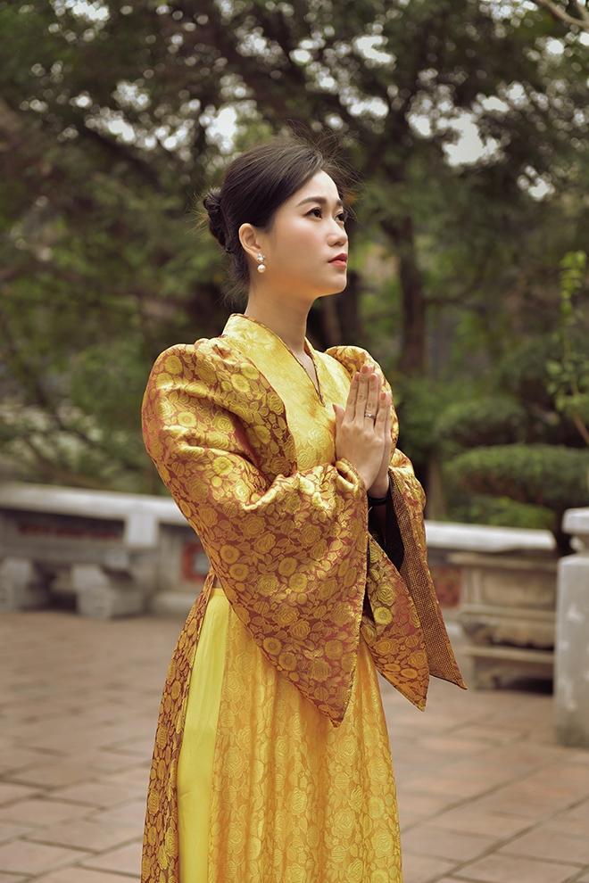 Lâm Vỹ Dạ bỗng nhiên dịu dàng nhờ áo dài của Đức Hùng Ảnh 4