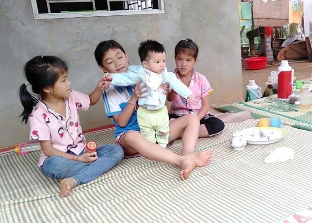 Mẹ đột ngột qua đời, con thơ bần thần khát sữa khóc ngặt Ảnh 3