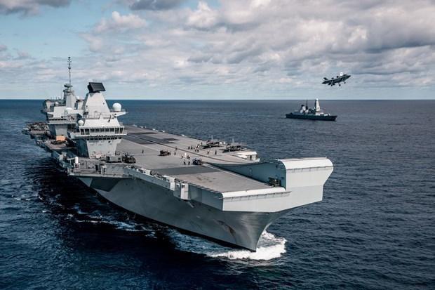 Tàu HMS Queen Elizabeth của Anh gặp sự cố trước hải trình đầu tiên Ảnh 1