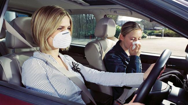 Nguyên nhân khiến ô tô có mùi khí thải khó chịu Ảnh 2