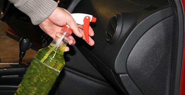 Nguyên nhân khiến ô tô có mùi khí thải khó chịu Ảnh 1