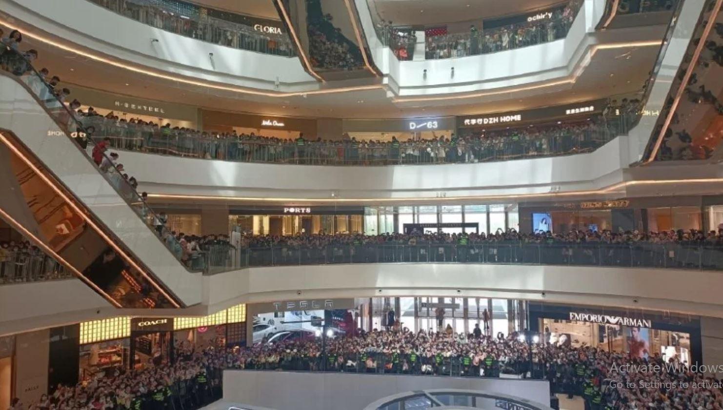 Hàng nghìn khán giả tham dự sự kiện của Triệu Lệ Dĩnh Ảnh 3