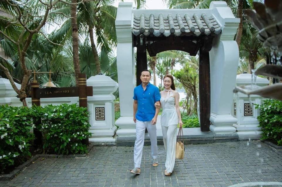 Khoảnh khắc diễn viên Chi Bảo tình tứ bên vợ kém 16 tuổi Ảnh 10