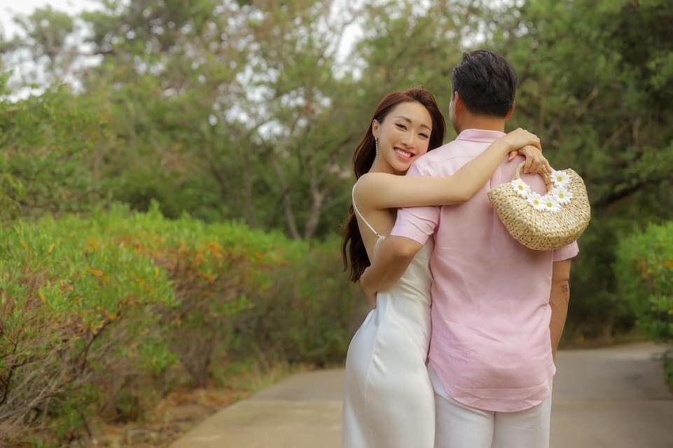 Khoảnh khắc diễn viên Chi Bảo tình tứ bên vợ kém 16 tuổi Ảnh 5