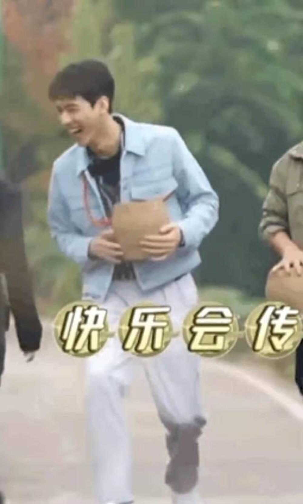 Đạo diễn nổi tiếng bất ngờ lên tiếng cảnh cáo Cung Tuấn: 'Đừng khiêu khích người tàn tật' Ảnh 4