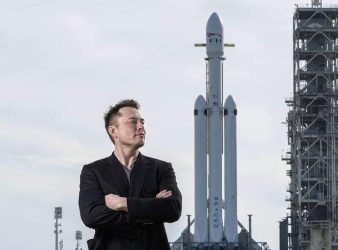 SpaceX dành được hợp đồng chế tạo tàu đổ bộ Mặt Trăng với NASA Ảnh 1