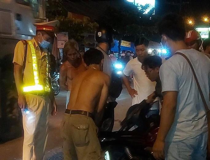 Ôtô tông chết 1 nữ sinh ở Cầu Xéo Long Thành rồi bỏ chạy Ảnh 2