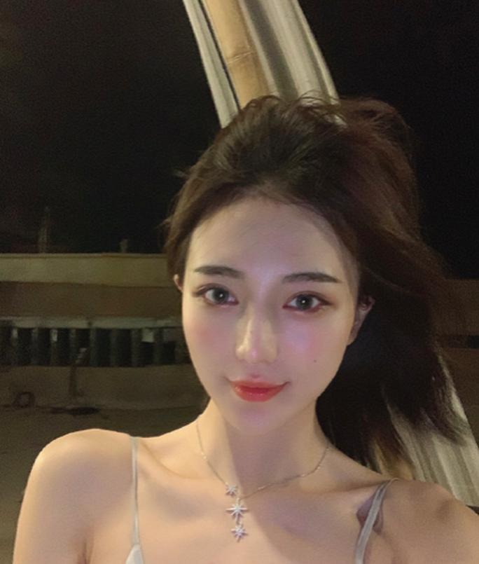 Hotgirl Trung Quốc bị tố lừa tình và tiền của nhiều đại gia Ảnh 3