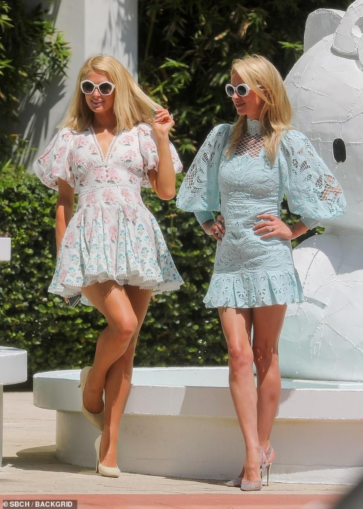 Em gái Paris Hilton thưởng thức cafe nóng hổi khi đi dạo phố Ảnh 5
