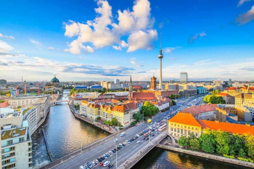 Điều đáng biết về nước giàu nhất châu Âu Ảnh 6