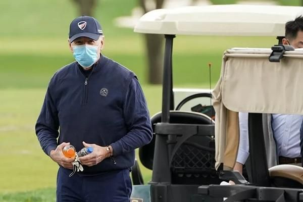 Ông Joe Biden lần đầu tiên đi chơi golf trên cương vị Tổng thống Mỹ Ảnh 1