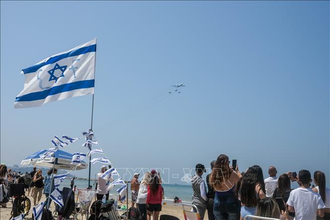 Israel bỏ quy định đeo khẩu trang, học sinh đi học bình thường Ảnh 1