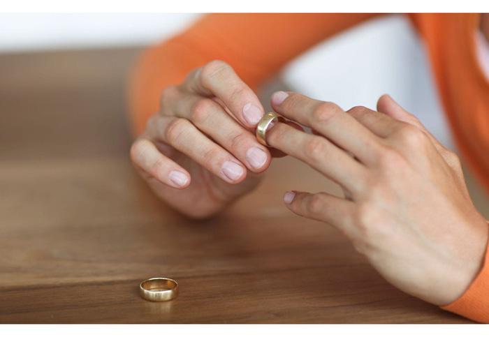 Cô giáo quyết định đơn phương ly hôn khi chồng bắt nghỉ dạy Ảnh 2