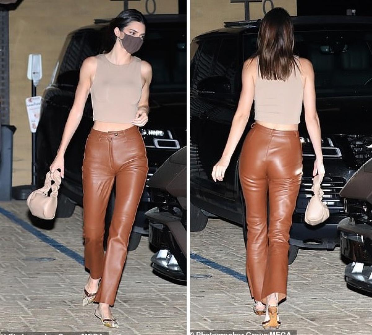 Kendall Jenner gợi cảm đi ăn tối cùng bạn thân Ảnh 4
