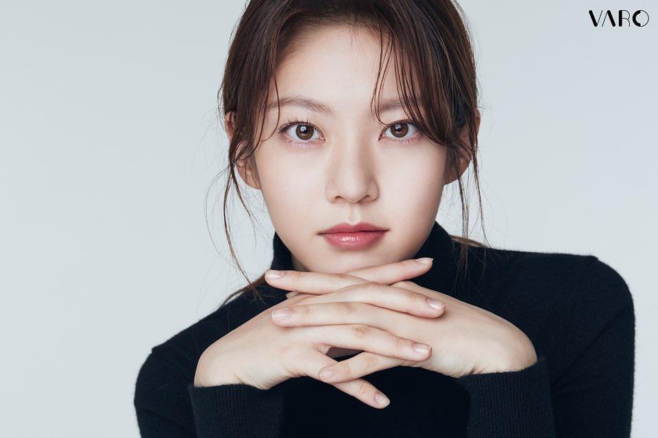 Hoa hậu đẹp nhất xứ Hàn Honey Lee từng được đào tạo để trở thành idol Ảnh 9