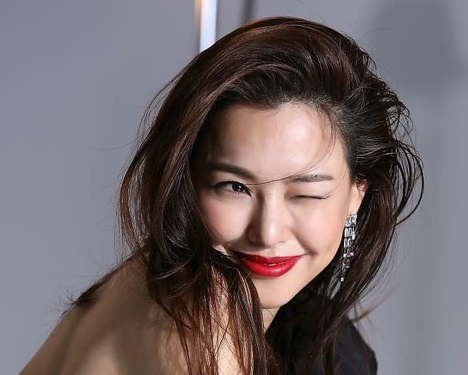 Hoa hậu đẹp nhất xứ Hàn Honey Lee từng được đào tạo để trở thành idol Ảnh 4