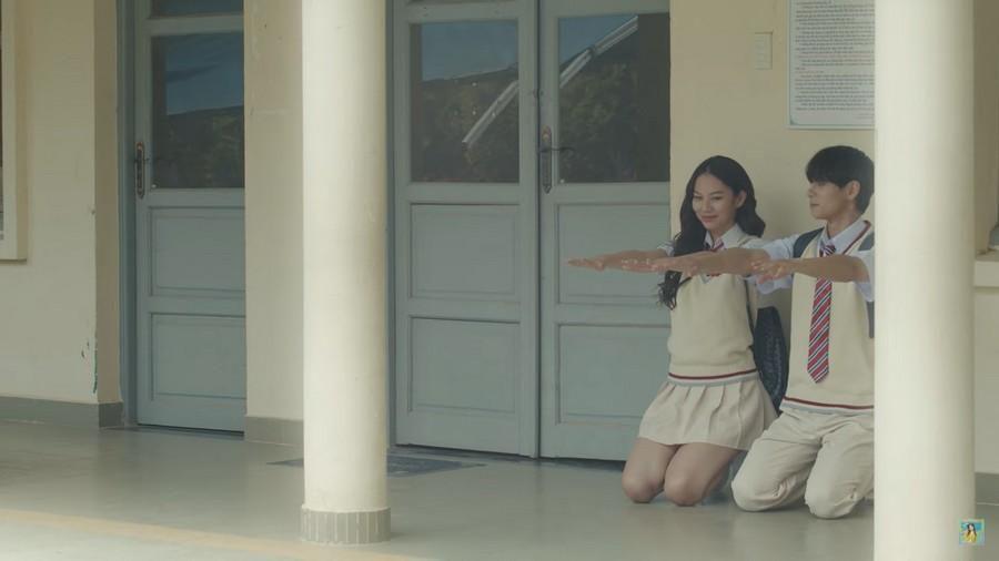 Phí Phương Anh lại gây tranh cãi khi 'bê' nguyên hình ảnh của Trịnh Sảng vào MV mới Ảnh 7